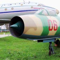 su-7b-06